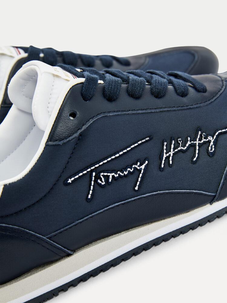 Tommy Hilfiger Signature Retro Runner in Desert Sky (Navy)