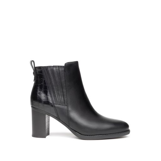 NeroGiardini Ankle Boots in Black Leather